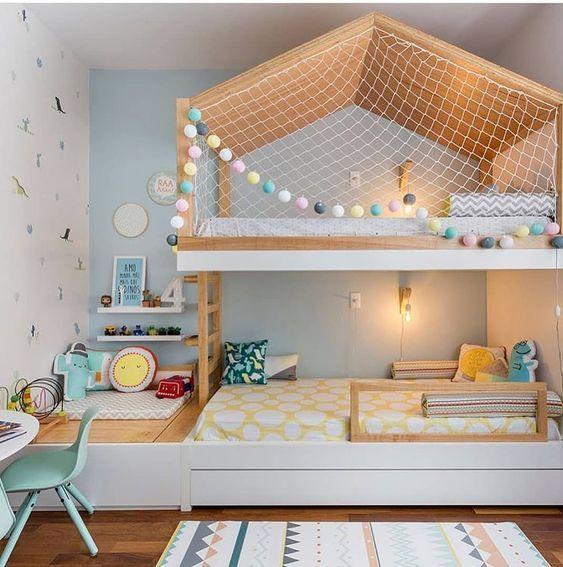 Beliche de madeira com cama casinha