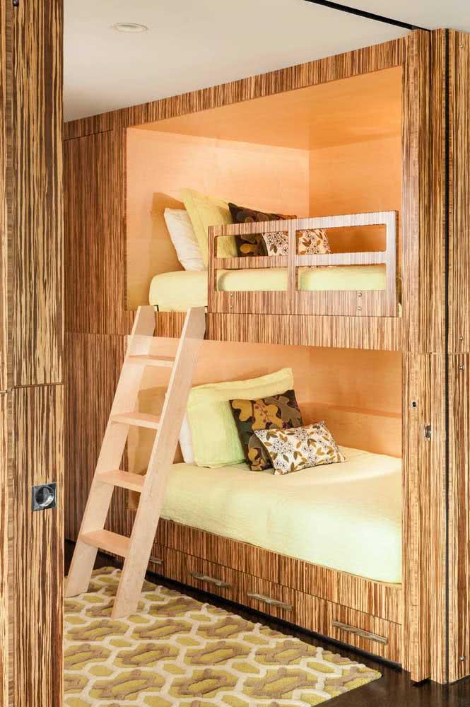 Beliche de madeira para quarto moderno