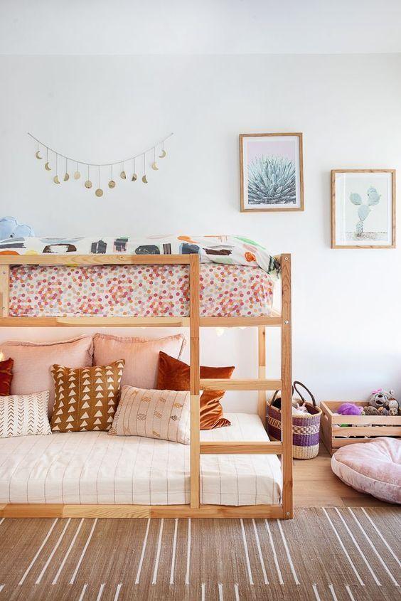 Beliche de madeira simples para quarto
