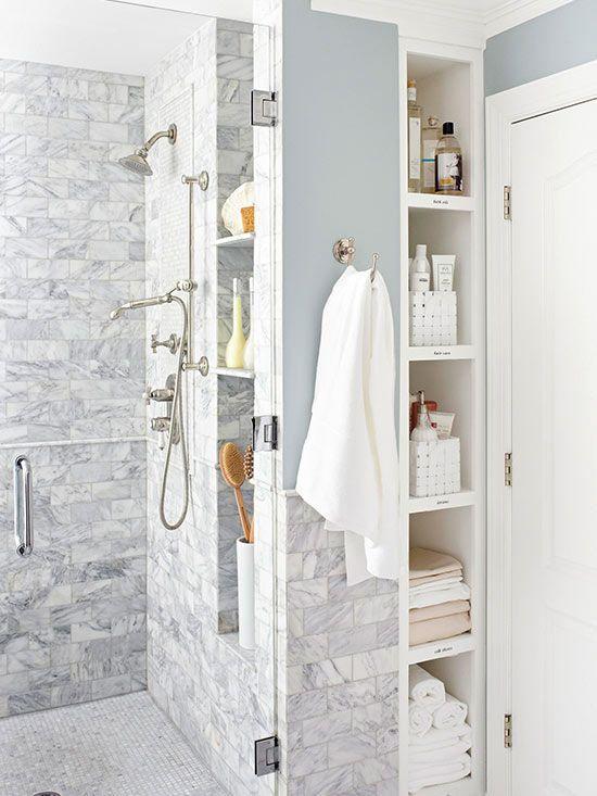 Box com cantoneira para banheiro com nichos