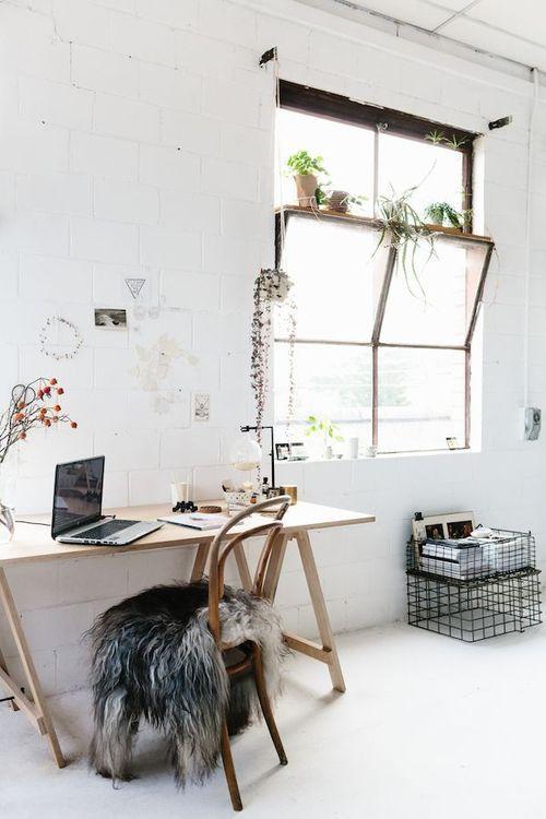 Cavalete de madeira para escrivaninha