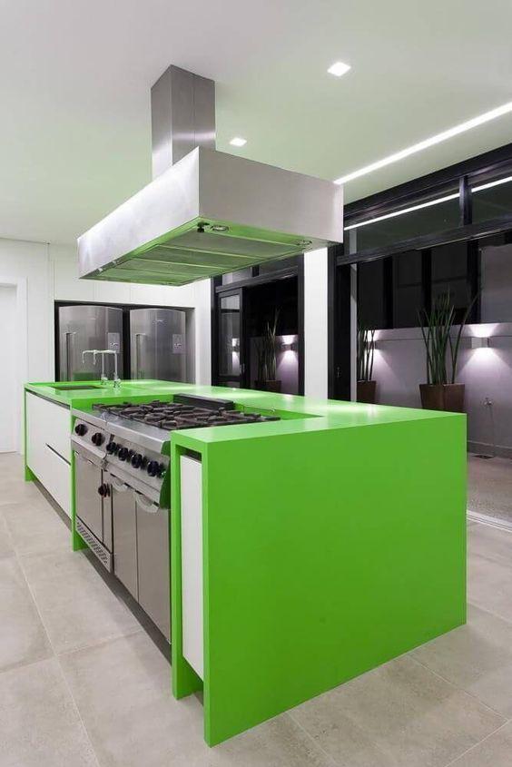 Cerâmica para cozinha moderna com bancada verde limão
