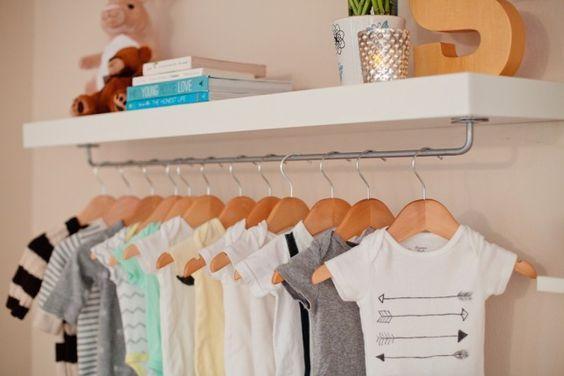 Cômoda com cabideiro para quarto de bebê