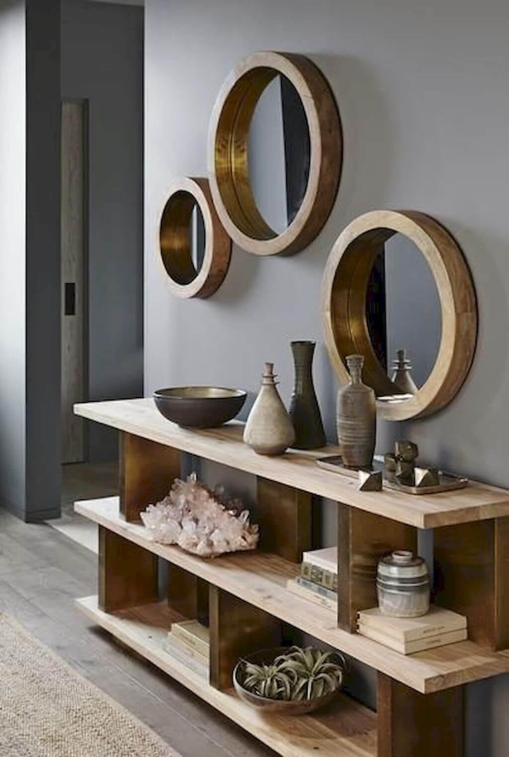 Conjunto de moldura redonda de madeira com aparador rustico