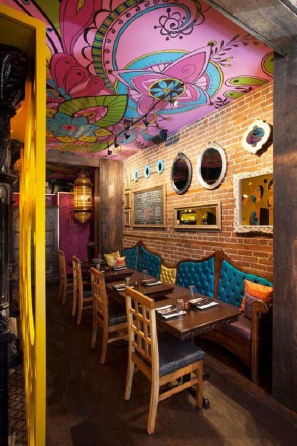 Diversas lojas e restaurantes apostam na decoração indiana. Fonte: Pinterest