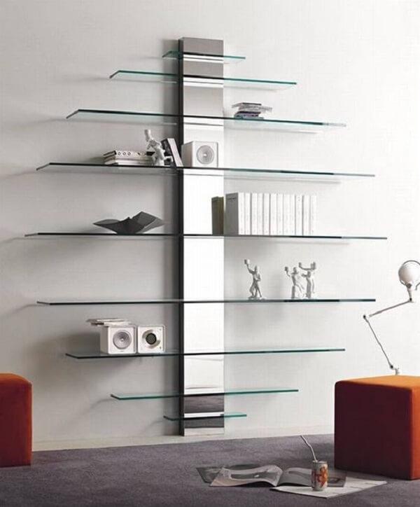 Estante de vidro para parede com design moderno. Fonte: Pinterest