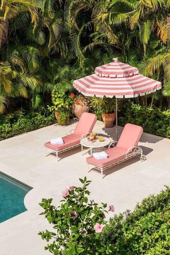 Guarda sol para piscina em tons de rosa
