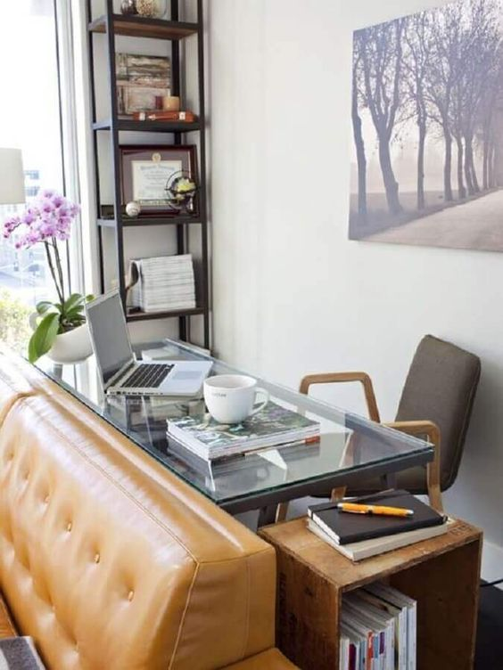 Home office na sala pequena