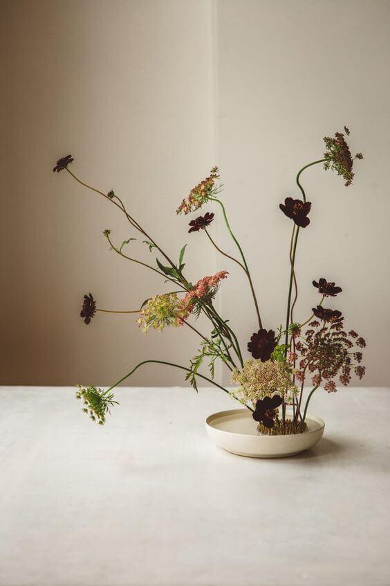 Ikebana com flores delicadas