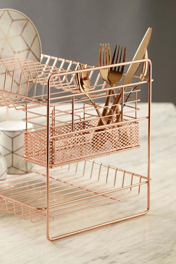 Lista de utensílios de cozinha na cor rose gold