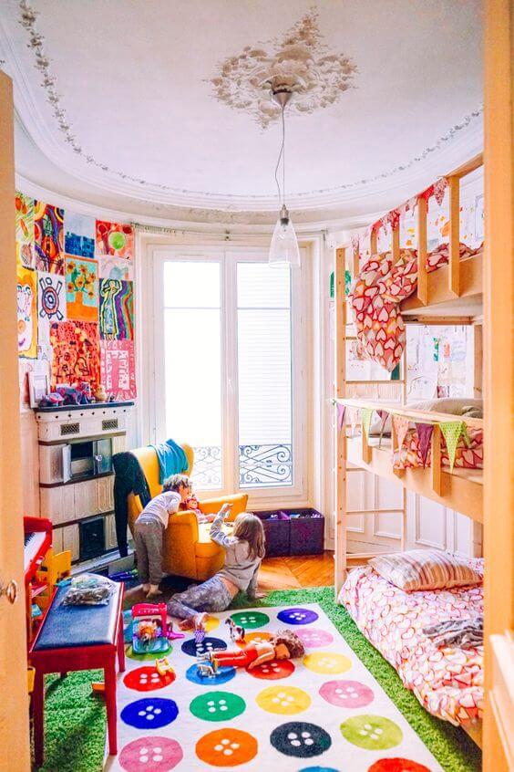 Lustre infantil para quarto alegre e colorido