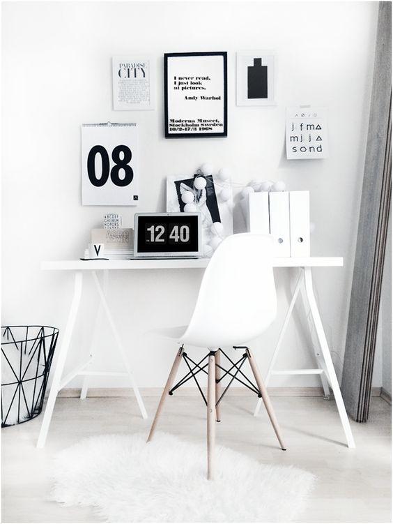 Mesa cavalete branca com decoração preto e branco