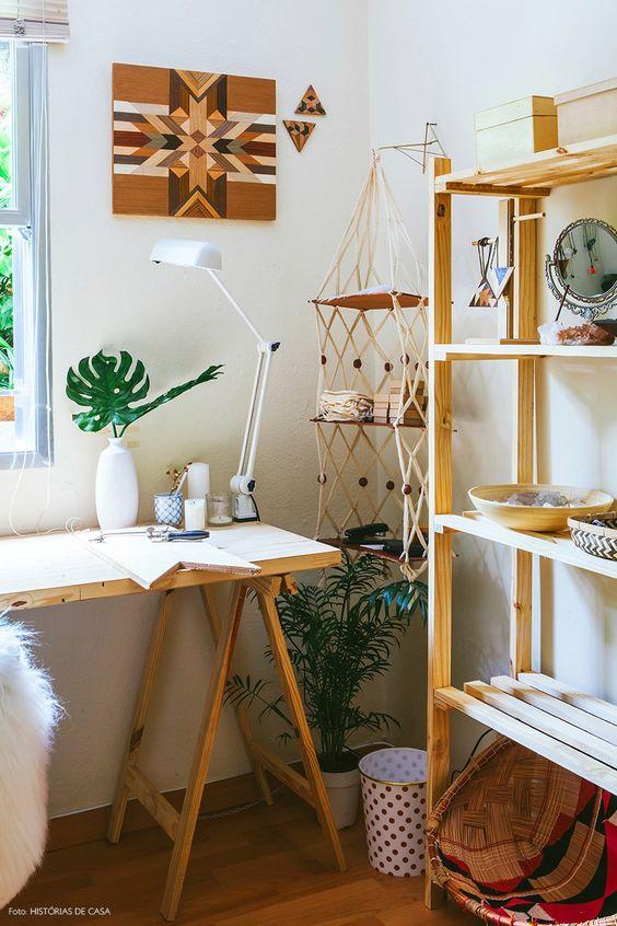Mesa cavalete de madeira rustica com estante combinando