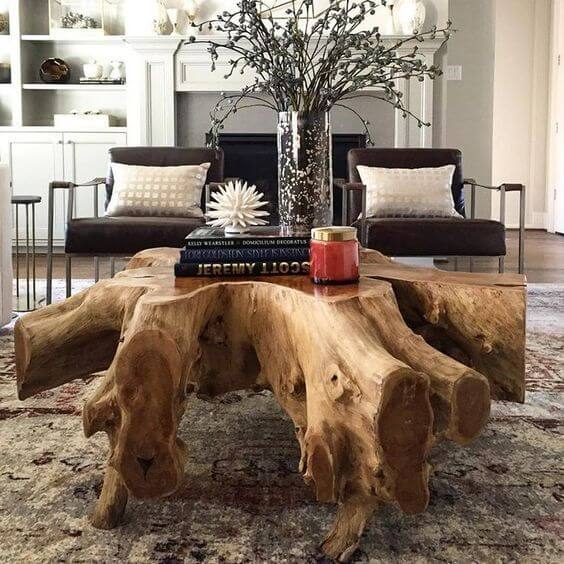 Mesa de centro rustico de madeira para sala grande decorada