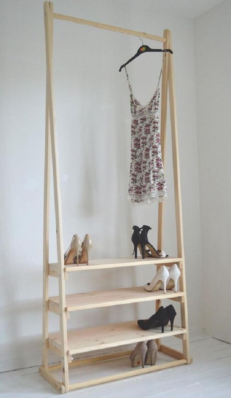 Modelo de arara de madeira simples. Fonte: Pinterest