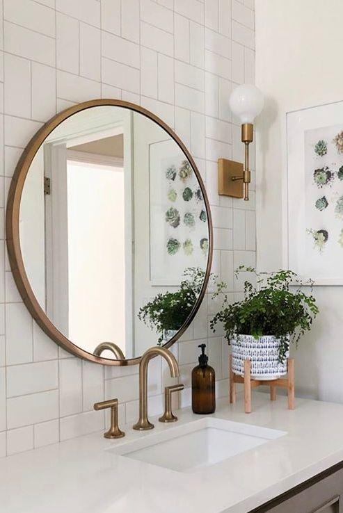 Moldura redonda de madeira para banheiro