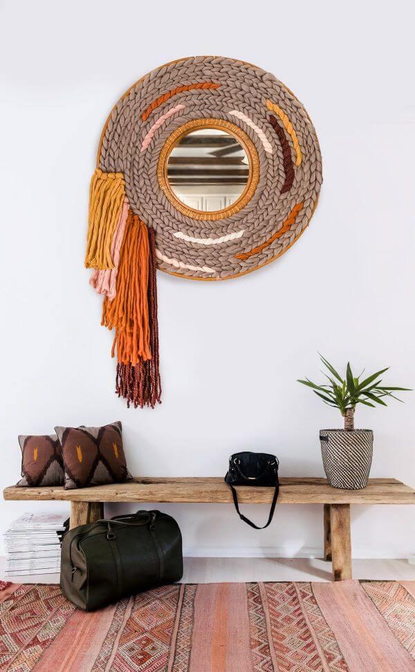 Moldura redonda para espelho feita de rattan