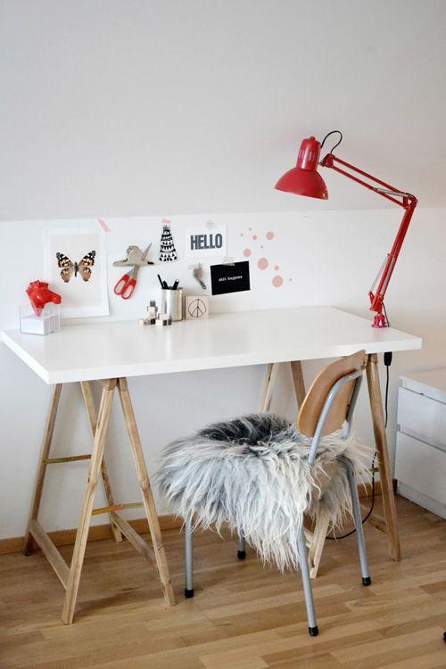 Moveis com cavalete e decoração charmosa