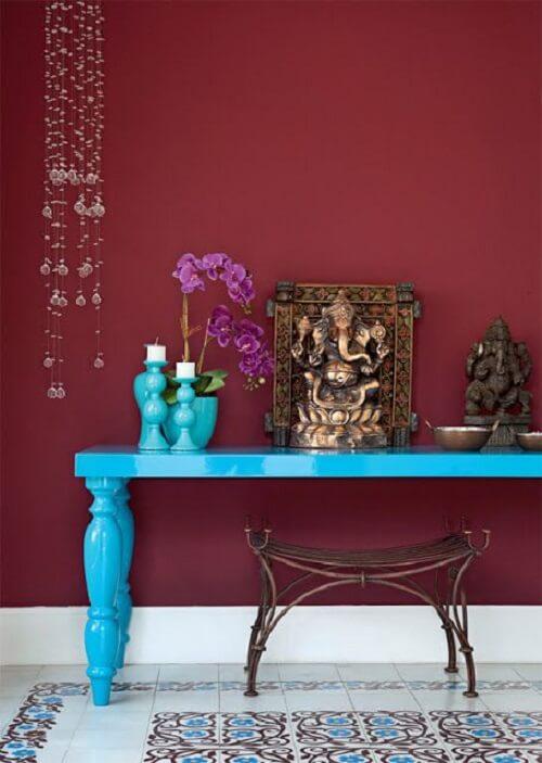 O altar indiano é o espaço para orações e meditação. Fonte: Arquitrecos