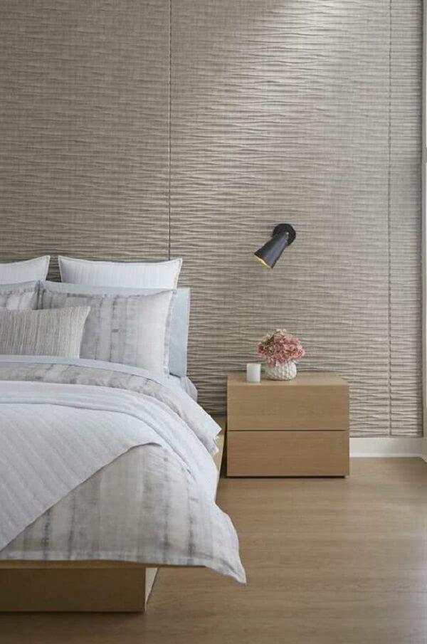 O revestimento cerâmico 3D no quarto traz estilo e modernidade. Fonte: Pinterest
