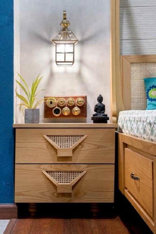 Os pequenos objetos de decoração indiana trazem ainda mais beleza ao cômodo. Fonte: Pinterest