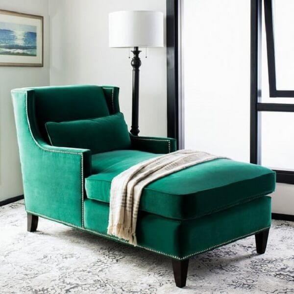 Poltrona divã com acabamento de veludo. Fonte: Pinterest