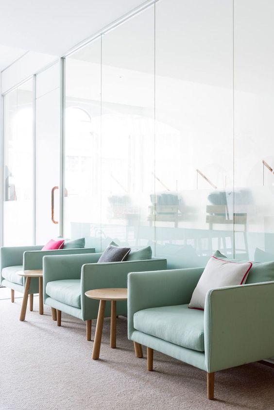 Poltronas para sala de espera confortável