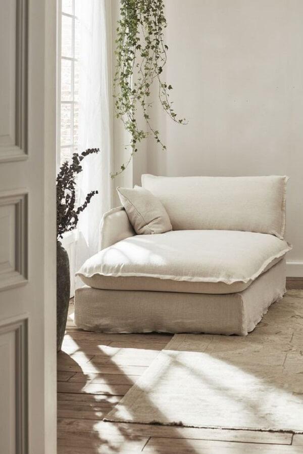 Posicione a poltrona divã próxima a janela da casa. Fonte: Pinterest