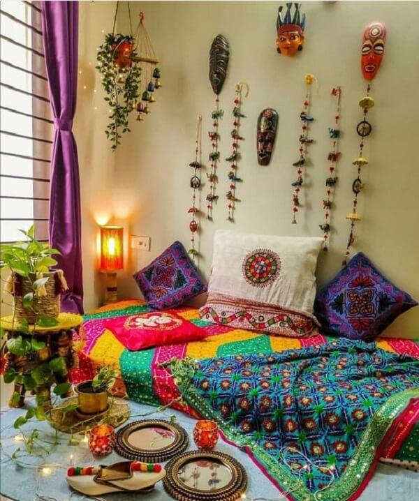 Quarto indiano com roupas de cama estampada. Fonte: Pinterest