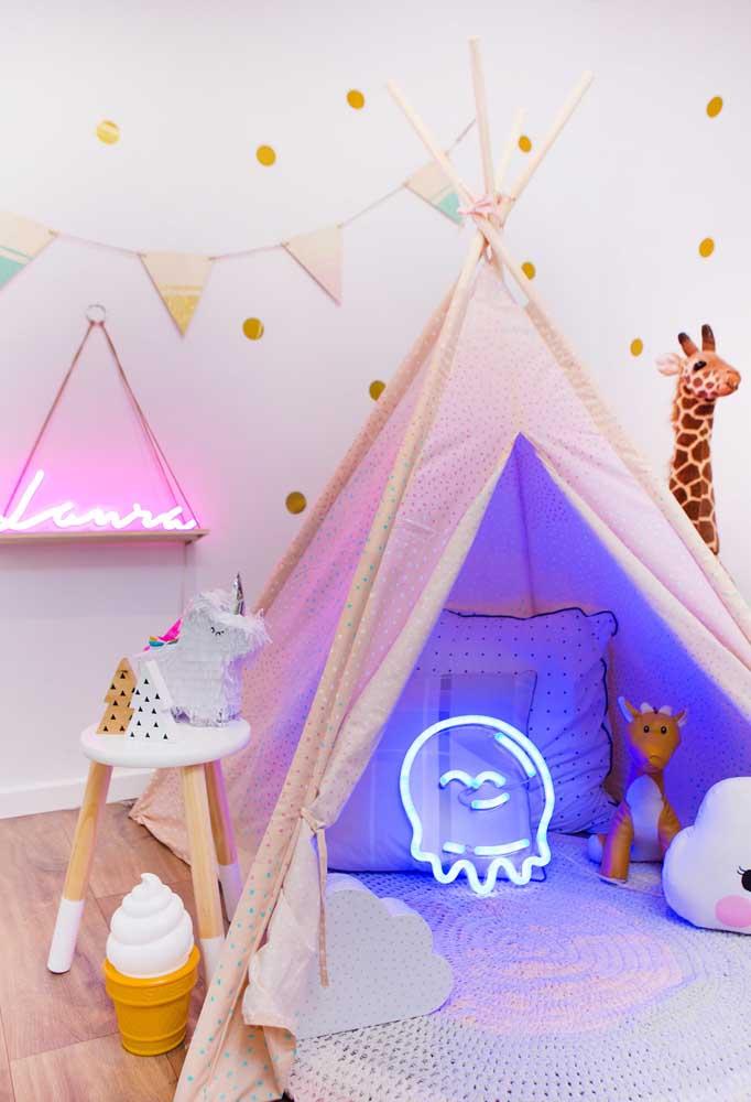 Quarto infantil com luminária de luz neon criativa