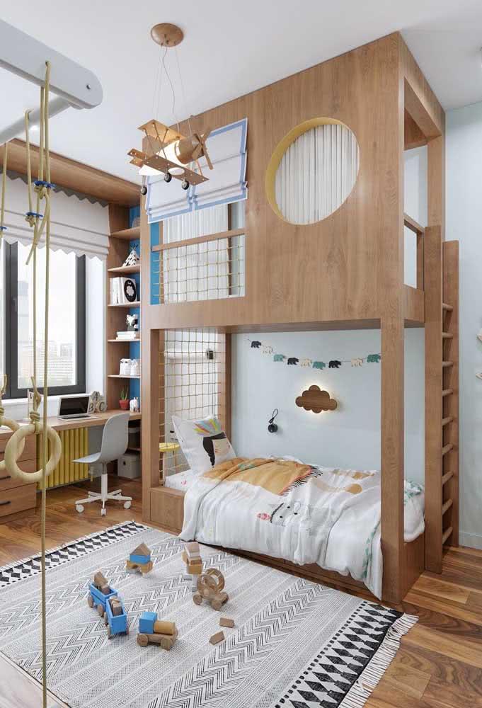 Quarto planejado com beliche de madeira temática