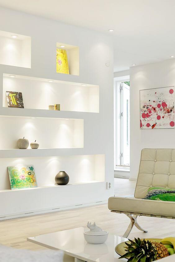 Sala clean com estante de gesso