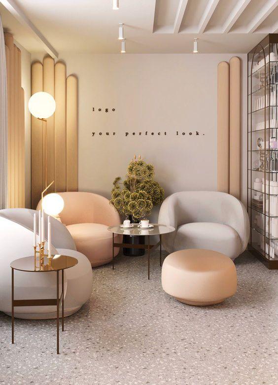 Sala de espera com móveis confortáveis e agradáveis