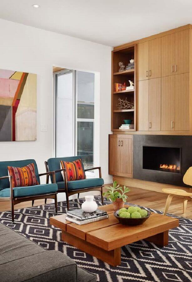 armário de madeira planejado para decoração de sala com lareira Foto Jeito de Casa