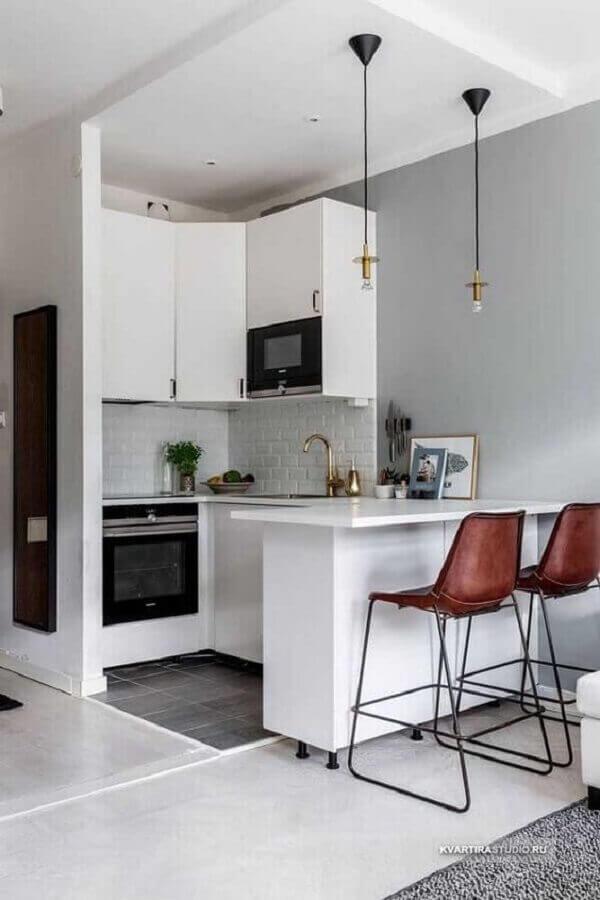 banquetas para decoração de cozinha estilo americana pequena branca  Foto Pinterest