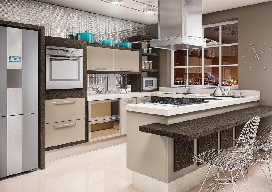 cadeira cromada moderna para decoração de cozinha planejada estilo americana em U Foto Idealle Mobille