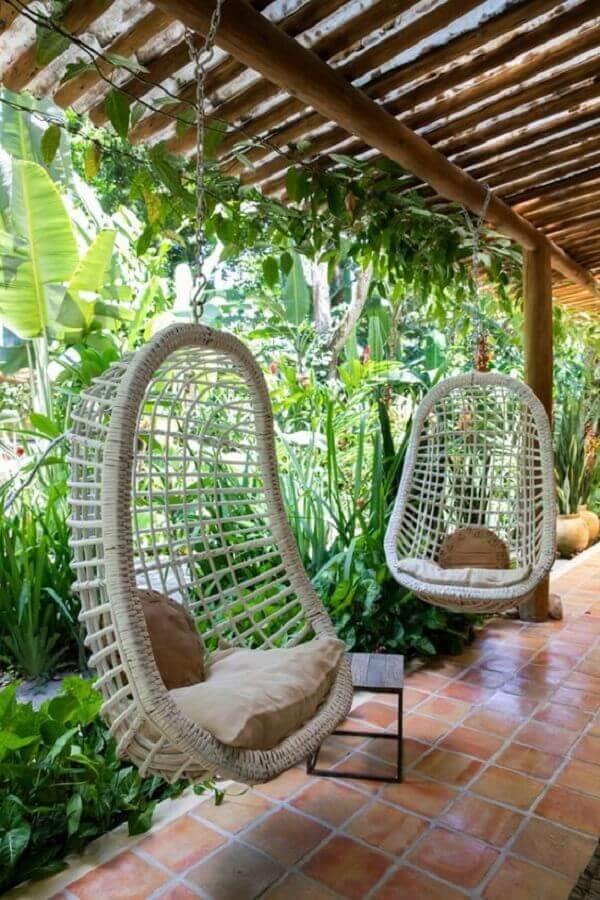 cadeira de balanço suspensa para decoração de casa com varanda e jardim Foto Life by Lyfe