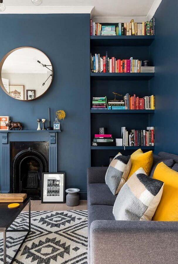cor azul para decoração de sala com lareira clássica Foto Pinterest