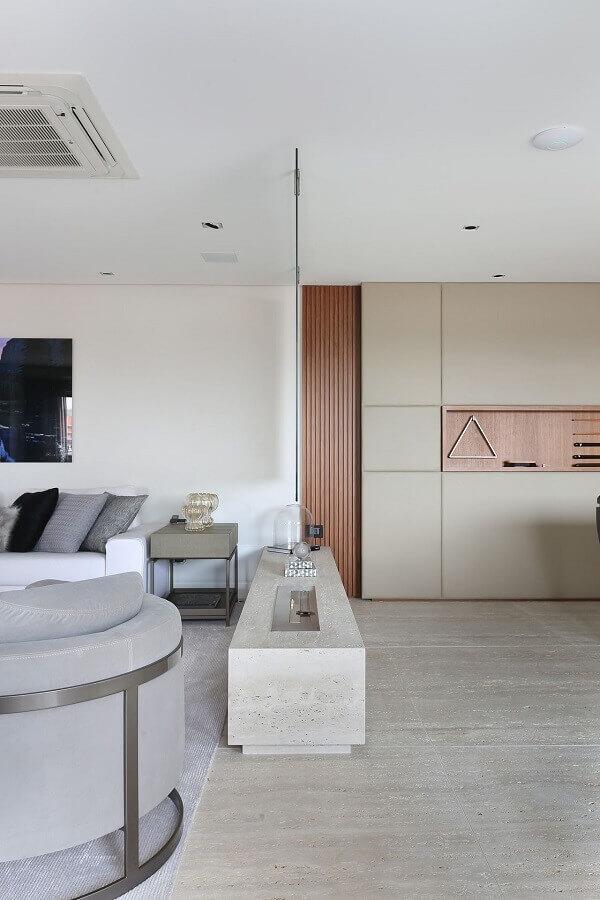 cores claras para decoração de sala moderna com lareira a gás Foto Patricia Bergantin