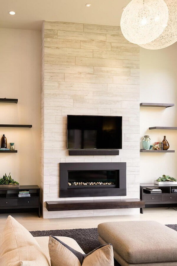 cores neutras para decoração de sala de estar com lareira a gás Foto Jeito de Casa