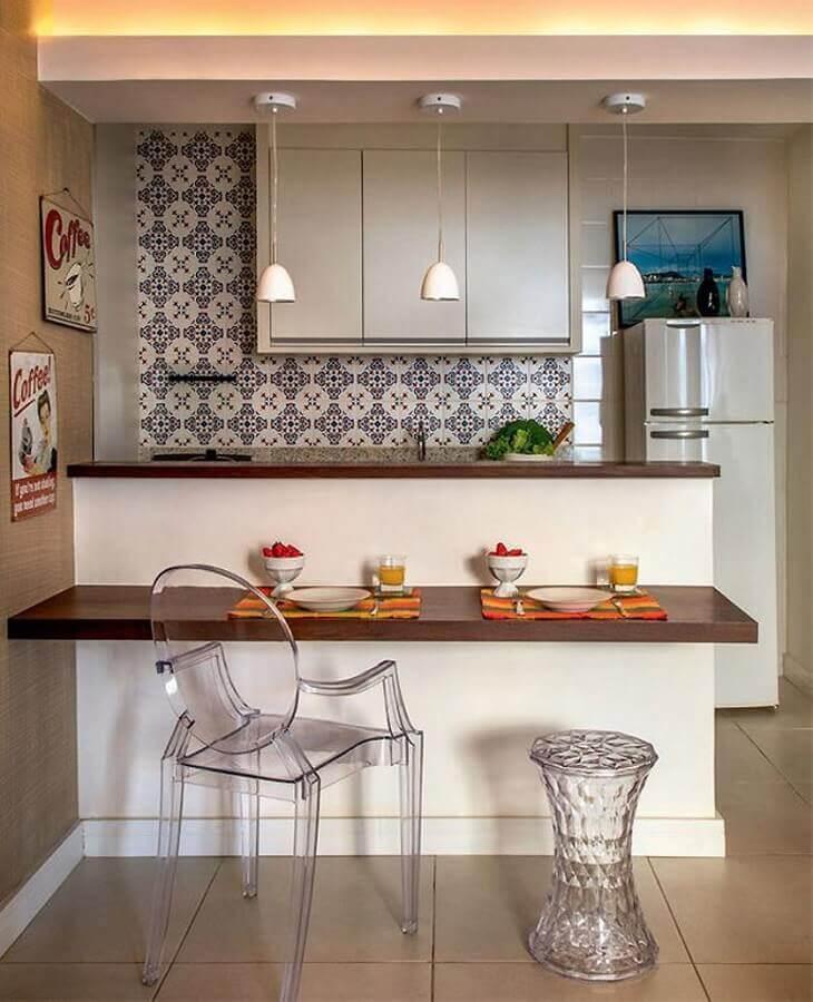 cozinha modulada estilo americana decorada com bancada de madeira Foto Pinterest