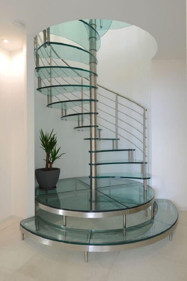 decoração clean com escada em espiral de vidro Foto PS do Vidro