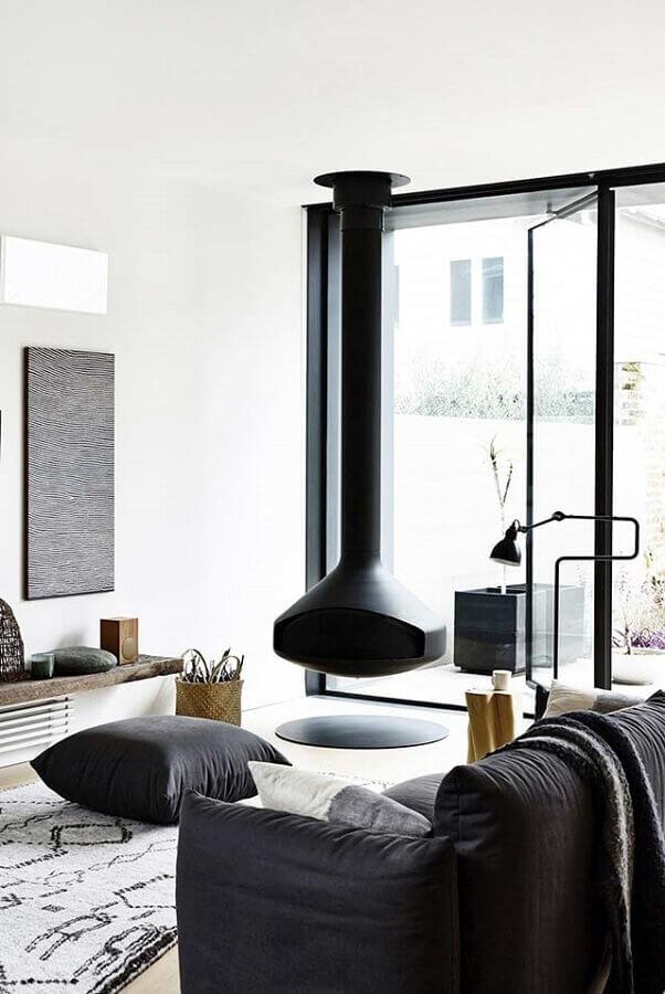 decoração clean para sala com lareira rústica de ferro suspensa Foto Home Fashion Trend