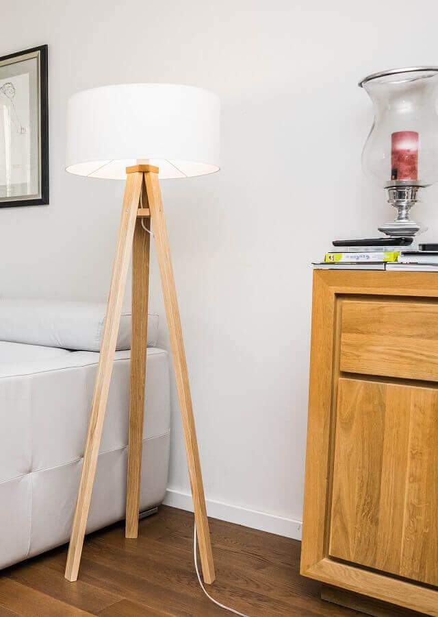 decoração com abajur de pé para sala branca Foto Pinterest