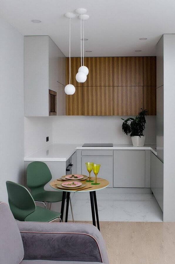 decoração com armário planejado para cozinha pequena em U Foto Houzz