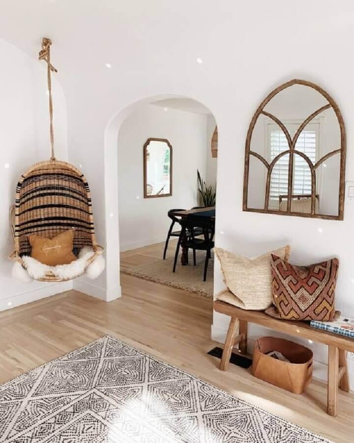 Decoração com cadeira de balanço suspensa para sala simples Foto domino magazine