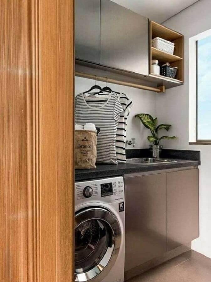 decoração de lavanderia com armário planejado cinza Foto Manual da Obra
