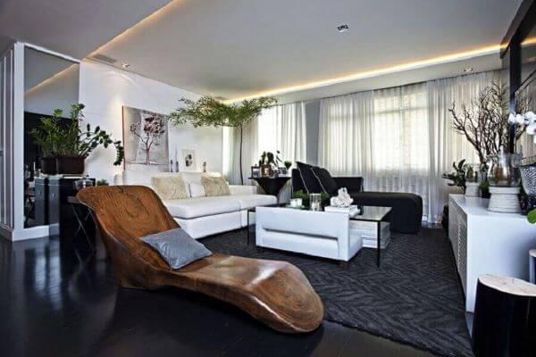 decoração de sala grande decorada com estilo moderna com piso vinilico preto