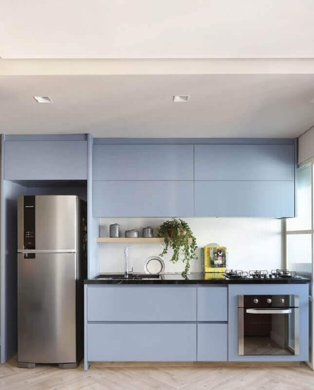 decoração em azul claro para cozinha com armário planejado Foto Casa de Valentina