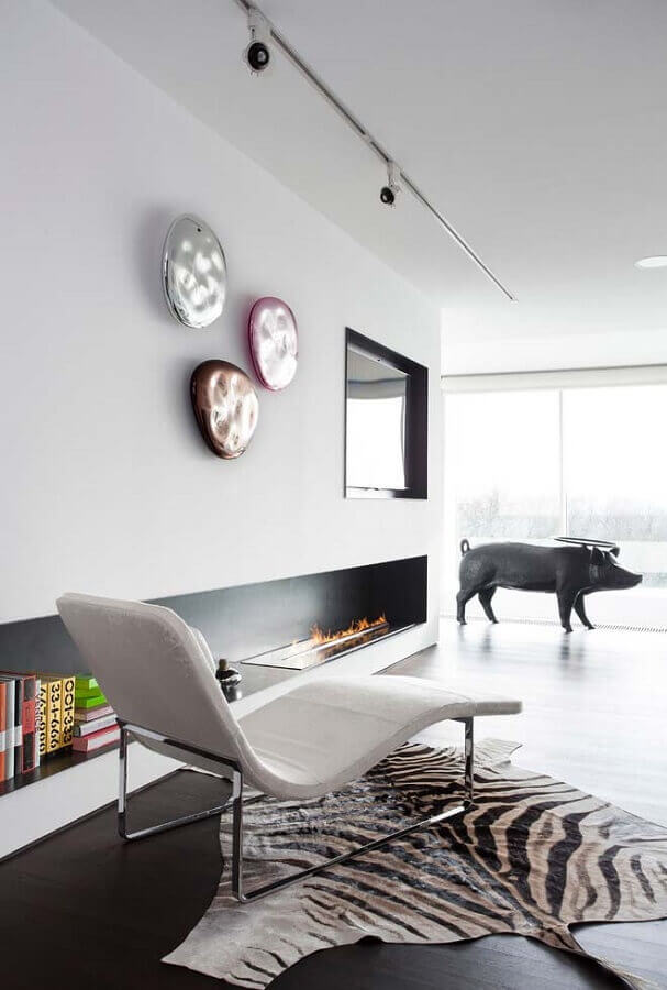 decoração minimalista para sala com lareira Foto Homify